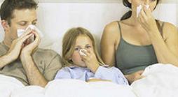 простуда у отца, дочери и мамы