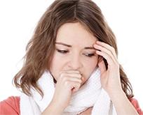 заболевания респираторного тракта - кашель у девушки
