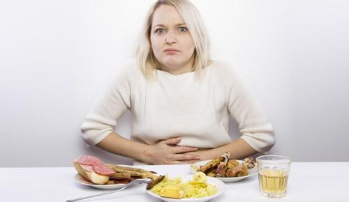 тяжесть в желудке после еды у женщин