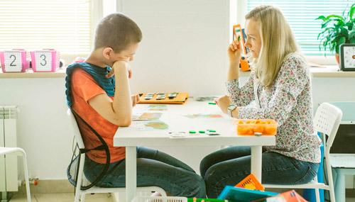 занятие со ребенком аутистом